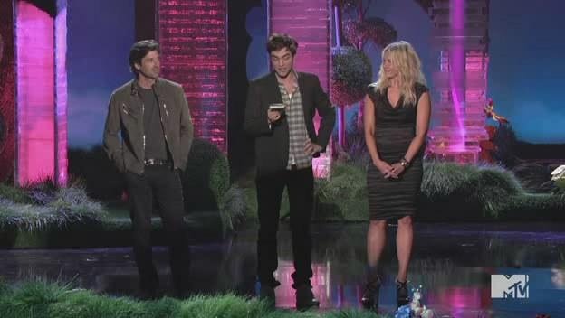 Capturas Twilight Saga-MTV Movie Awards 2011