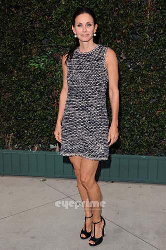 Courteney Cox: Ocean Initiative Benefit Hosted によって Chanel