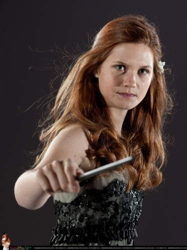 Bonnie Wright wallpaper titled Deathly Hallows Part 1 promo