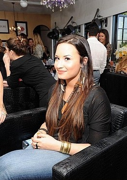 Demi Lovato at Covergirl Beauty Bar at MTV Movie Awards 2011