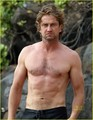 Gerard Butler: Shirtless Surfer in Maui!