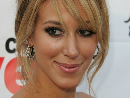Haylie Duff wallpaper containing a portrait called Haylie wallpaper