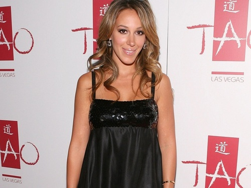 Haylie Duff wallpaper containing a dinner dress and a cocktail dress called Haylie Wallpaper