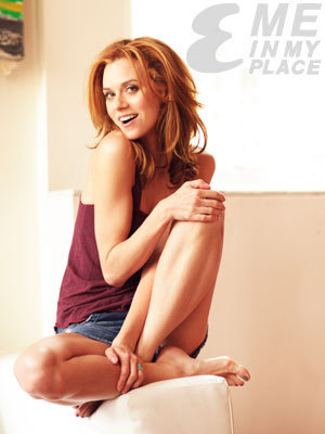 Hilarie 伯顿 Esquire Magazine Photoshoot