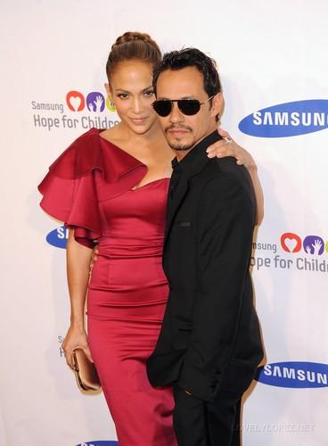 Jennifer Lopez: Samsung Gala with Marc Anthony!