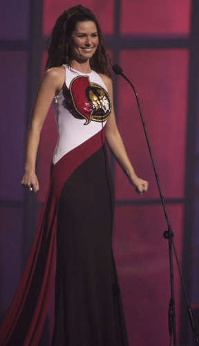 shania twain fondo de pantalla possibly containing a cena dress called Juno música Awards 2003