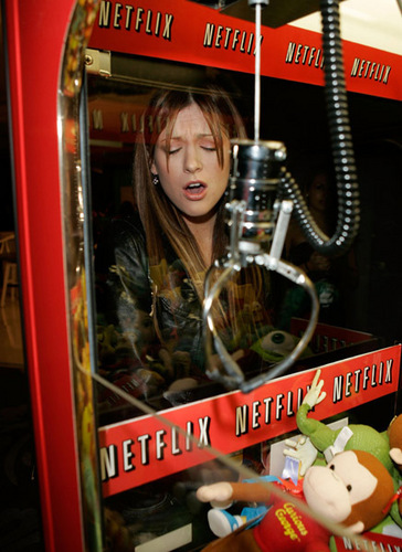 Kari Feinstein Emmy Style Lounge