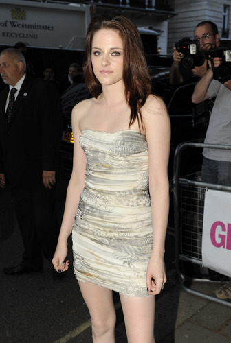 Kristen Stewart: Glamour Women Of The Year Awards [HQ]
