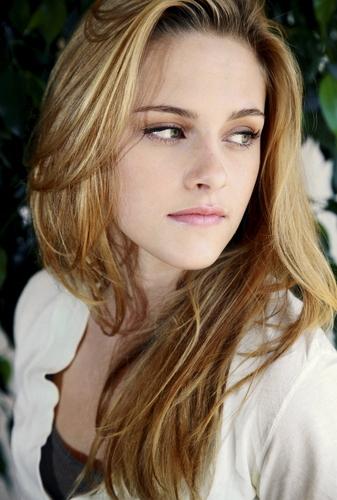 Kristen Stewart wallpaper with a portrait titled Kristen Stewart