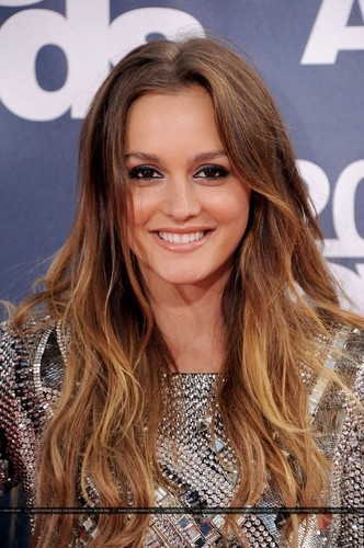 Leighton arriving at এমটিভি Movie Awards, 5th June 2011.