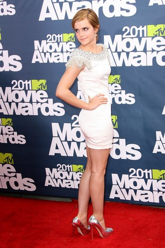 Emma Watson wolpeyper entitled MTV Movie Awards - June 5th, 2011