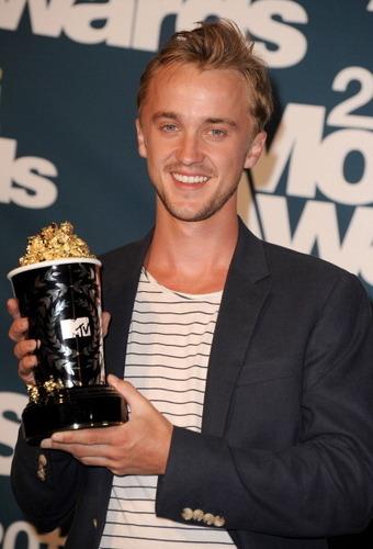 엠티비 Movie Awards - June 5th, 2011tom win best villian award