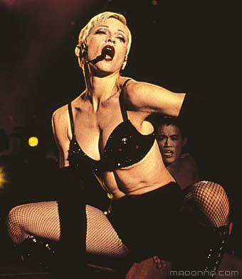"Madonna fond d'écran titled Madonna ""Girlie Show"" Tour"