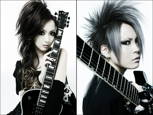 Japanese Bands wallpaper with a guitarist entitled Miko & Omi (exist†trace)