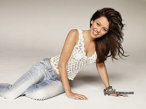 Miley Cyrus Rare Photoshoot!