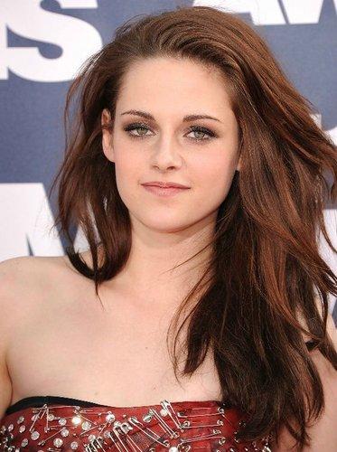 madami from the MTV Movie Awards (June 5, 2011)