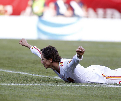 Fernando Torres wallpaper with a bowler titled Nando - Spain(4) vs USA(0)