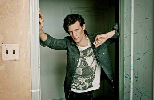 Matt Smith 壁纸 possibly with a well dressed person, 休闲裤, 松弛, and a playsuit, 戏剧, 防寒 titled New 2011 Photoshoot