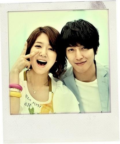 Park Shin Hye & Jung Yong Hwa Heartstrings Couple Pics