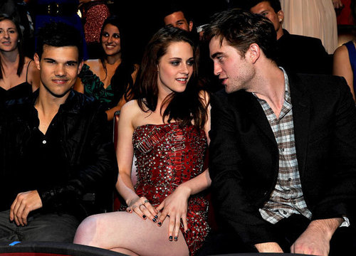Rob and Kristen at the एमटीवी Movie Awards
