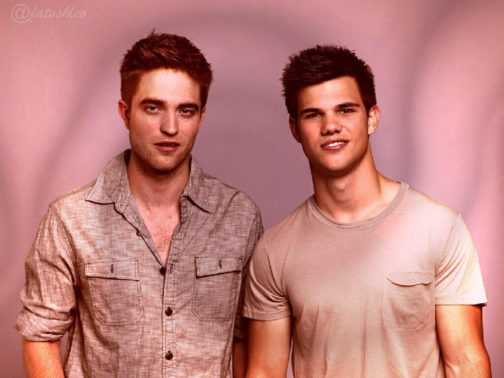 Photo of Taylor Lautner & his friend, actor  Robert Pattinson