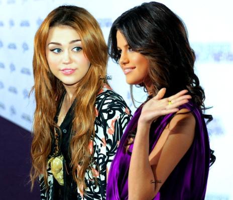 Selena Manip!