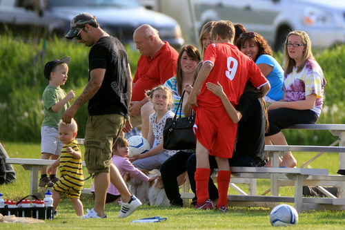 Selena - Watching Justin Bieber's 축구 Game In Stratford, Ontario - June 03, 2011