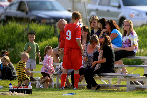 Selena - Watching Justin Bieber's bóng đá Game In Stratford, Ontario - June 03, 2011