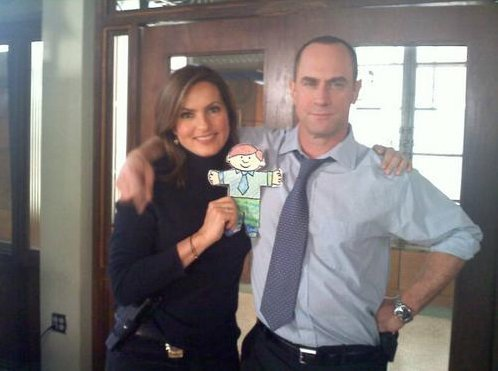 Elliot and Olivia wallpaper probably with a leisure wear called So Cute ... BTS ... Bensler
