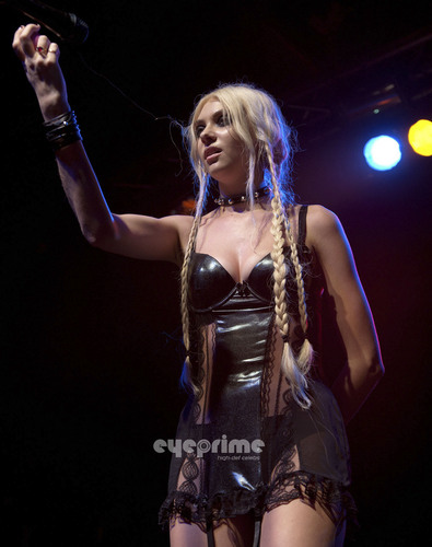 Taylor Momsen performs at C-Club in Tempelhof, Berlin