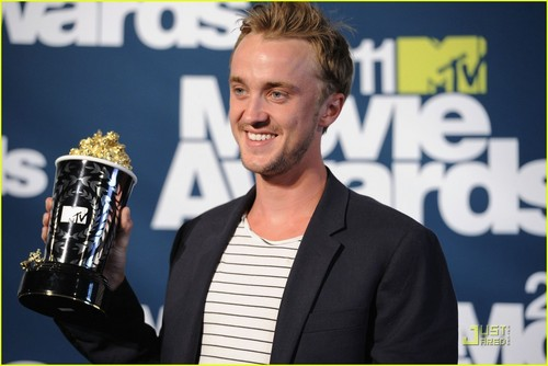Tom Felton wallpaper entitled Tom Felton: MTV Movie Awards Best Villain