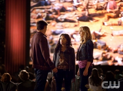 [New still] Candice as Caroline in TVD 2x22: 'As I Lay Dying'!