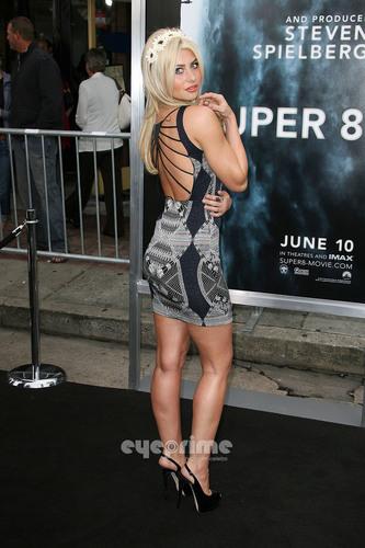 """""""Super 8"""" Los Angeles Premiere [HQ]"""