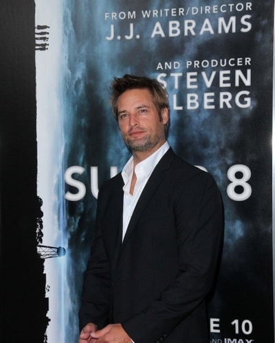 """""""Super 8″Premiere in Hollywood (June 8)"""