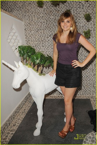 Aimee Teegarden: ELLE Spa Launch in Miami!