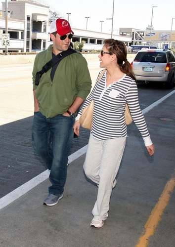 Alyssa - At LAX airport, April 05, 2009