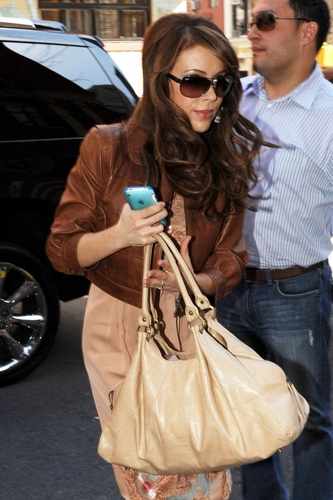 Alyssa - Returning to her Manhattan Hotel, March 31, 2009