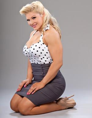 beth phoenix wallpaper possibly with a leotard and tights entitled Beth Phoenix