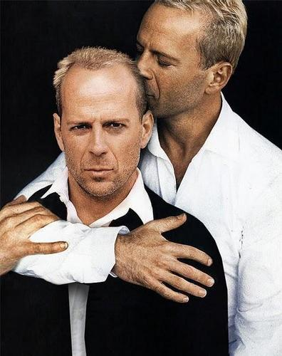 Bruce Willis wallpaper possibly containing a business suit entitled Bruce