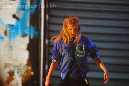 Glee wallpaper entitled Heather Morris | Boston Glee Live