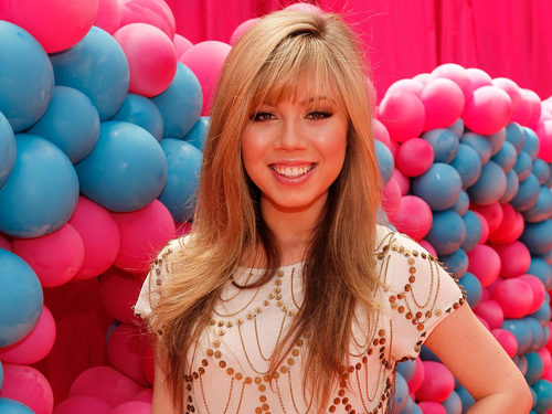 Jennette McCurdy fondo de pantalla possibly containing a gelatina, jalea frijol, haba and a meteorological balloon called Jennette McCurdy