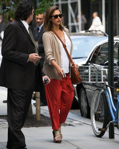 Jessica - Arriving at a Midtown building in NYC - June 06, 2011