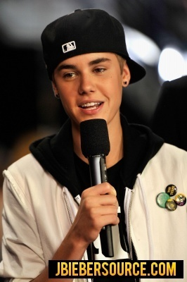 Justin at CMT 音乐 awards