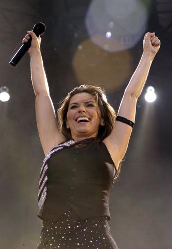 Shania Twain karatasi la kupamba ukuta called Kilkenny Festival 2003
