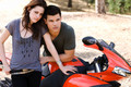 Kristen Stewart & Taylor Lautner EW photoshoot - kristen-stewart-and-taylor-lautner photo