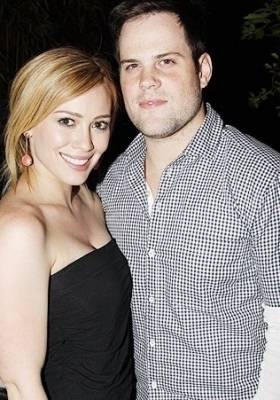 Hilary Duff & Mike Comrie wallpaper with a portrait called Mike & Hilary