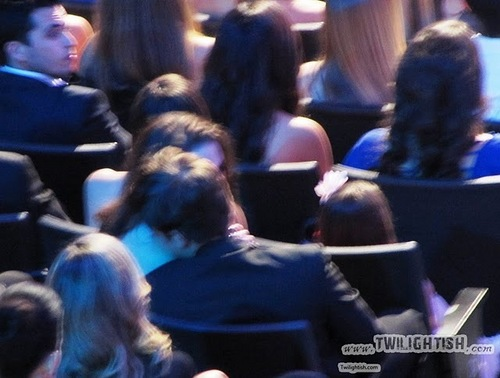 NEW Robsten pictures from the 2011 एमटीवी Movie Awards!!!
