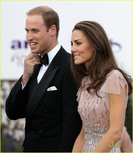 Prince William and Kate Middleton wallpaper with a business suit called Prince William & Kate: ARK Gala Dinner!