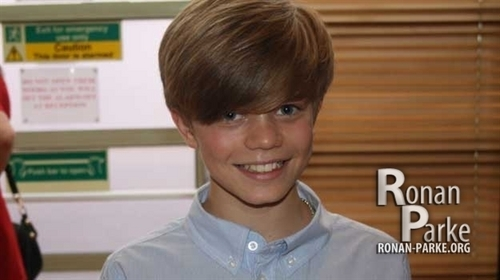 Ronan PArke backstage before the semi final
