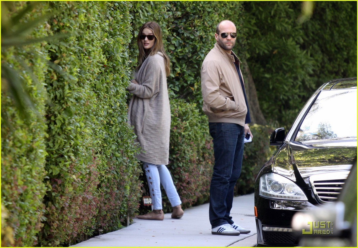 Rosie Huntington-Whiteley & Jason Statham: Peek-A-Boo House Guests!